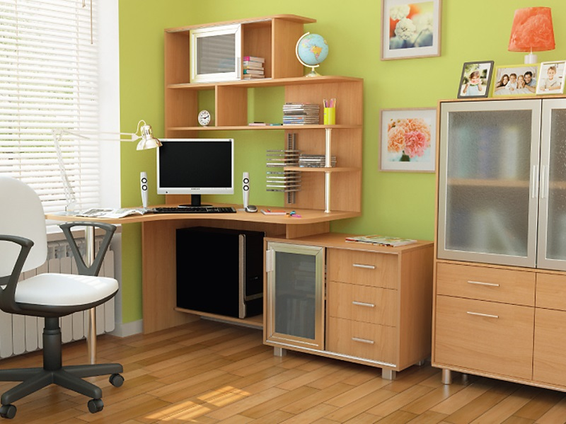 Стол для школьника для дома, основные виды и дополнительные .